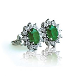 Emerald Earrings in 18K Gold and Diamonds - Diana setting -White Gold