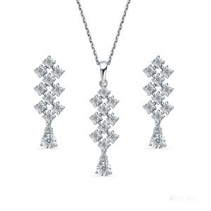 18K gold set of Pendant and Earrings in White Gold with diamonds