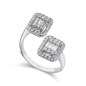 Emerald-cut Diamond ring with twin heads in 18K white gold